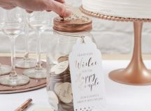 13 Gorgeous Wedding Guest Books You Can Pick Up Now! images 3
