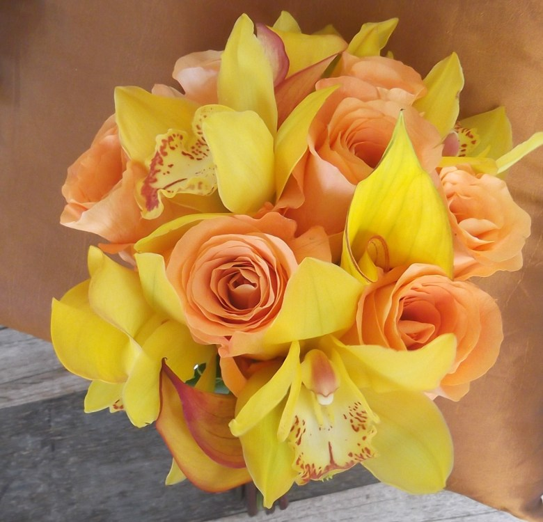 peach & yellow bridal bouquet