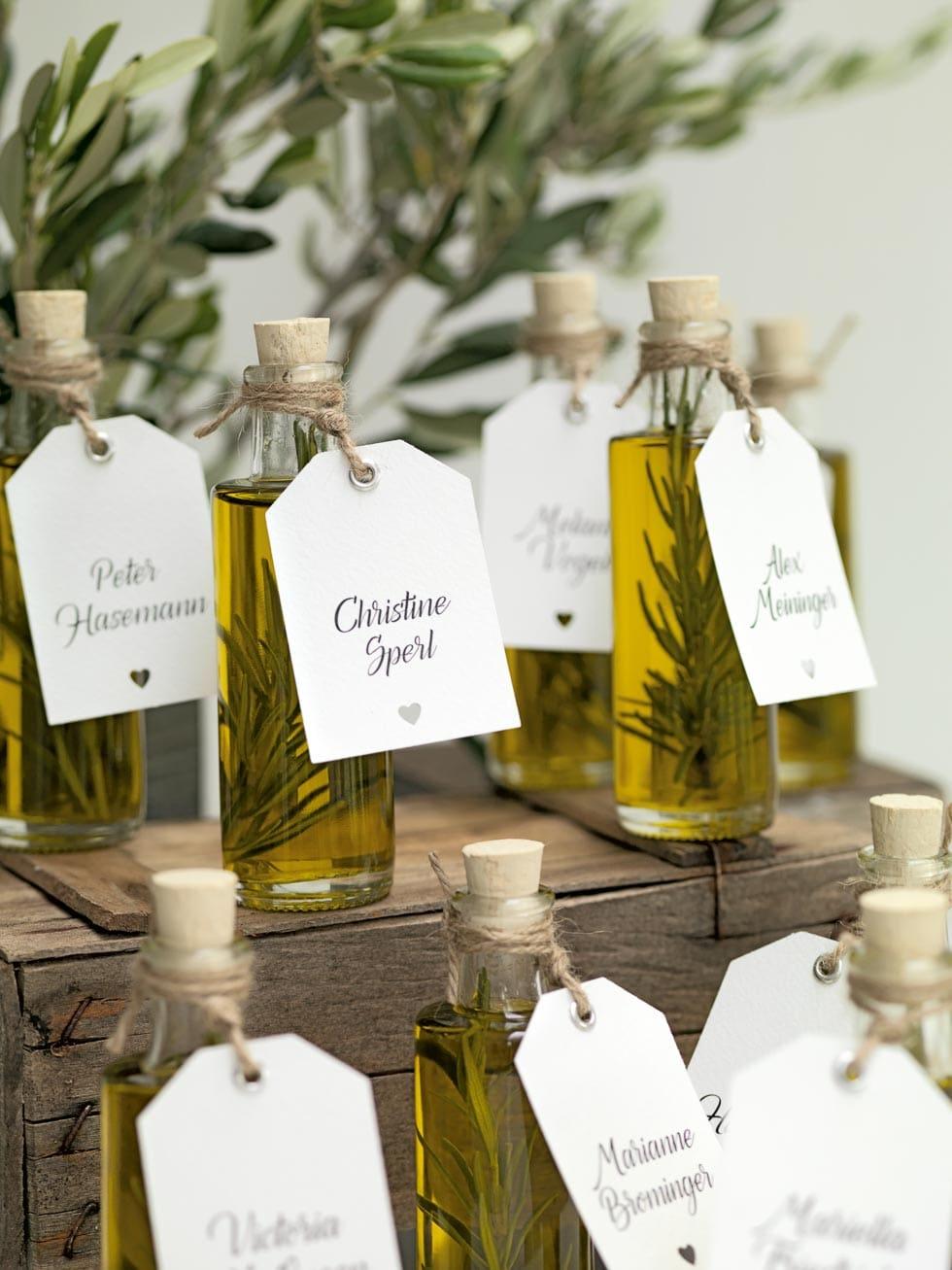 Olivenl als Gastgeschenk