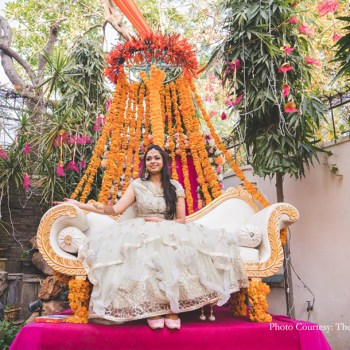 With vibrant marigolds & fairy lights, this home-based lockdown mehndi raised the bar high with its colorful decor