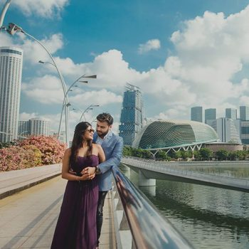 A dreamy, impromptu photoshoot set amidst the locales of Singapore