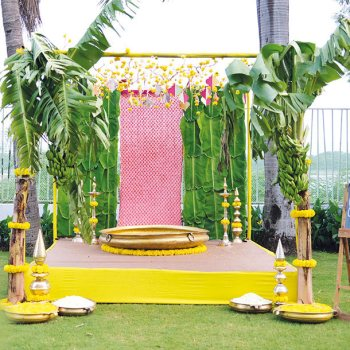 A stunning eco-friendly wedding by Nose to Tail Events filled with sustainable decor ideas