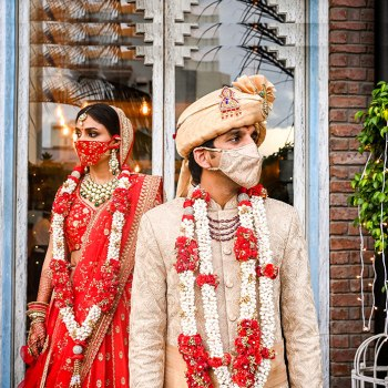 Responsibly royal! This spectacular Mumbai wedding ensured safety and entertainment for their attending and virtual guests