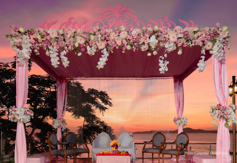 Pink and White Flower Decor for Wedding