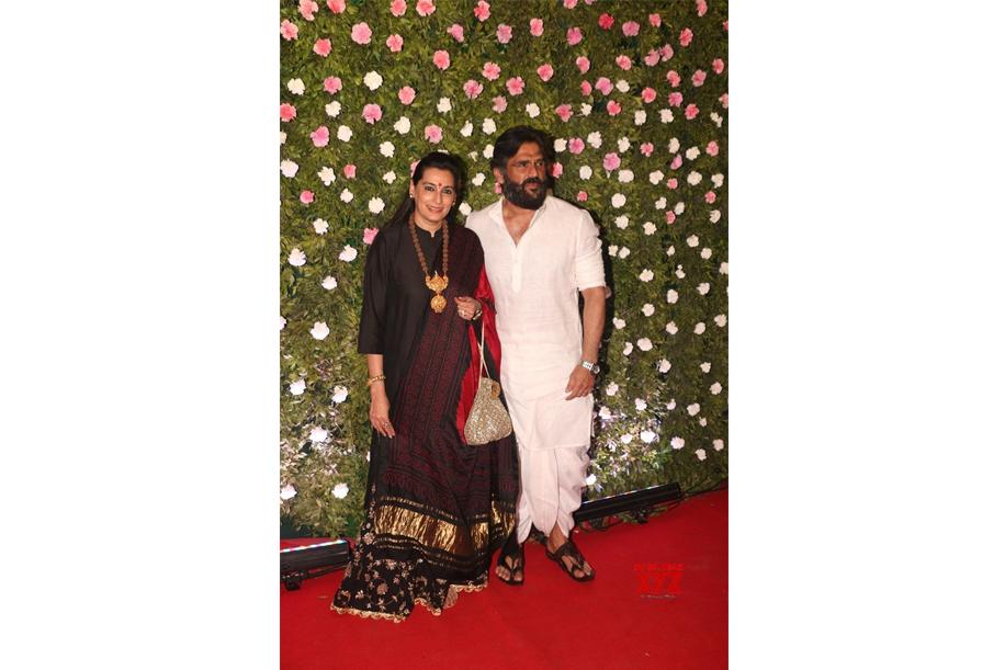 Suniel Shetty and Mana Shetty at Amit Thackery and Mitali Borude Reception