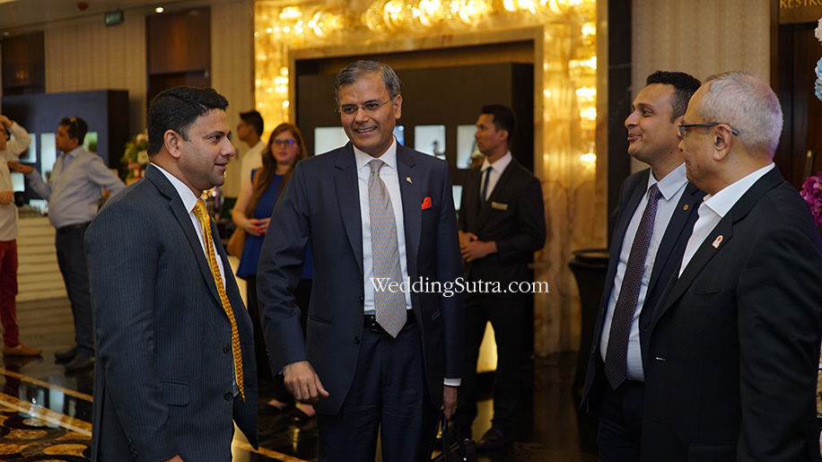 Sharad Puri - General Manager JW Marriott with Guests at WeddingSutra Grand Engage 2018