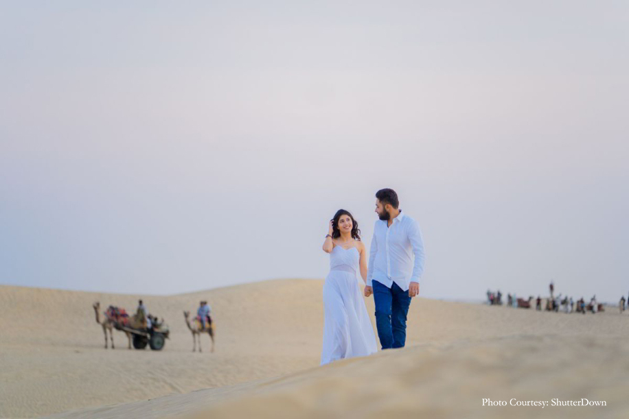 Komal & Akshay's Pre-Wedding Photo Shoot