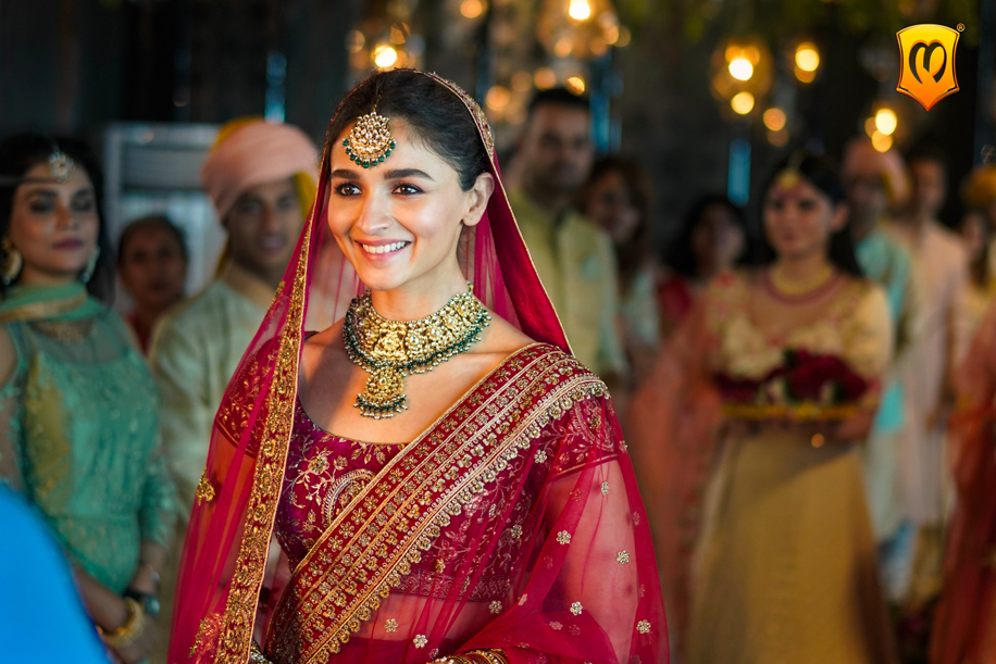 Alia Bhatt in Mohey's latest ad campaign will give you the #DulhanWaliFeeling