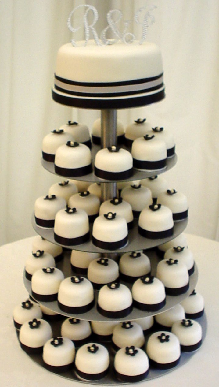 Wedding Blogs Multiple Mini Wedding Cakes