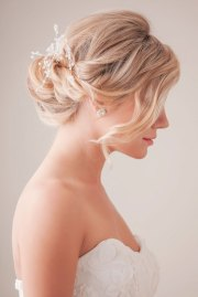 bridal hair and loose hairstyles