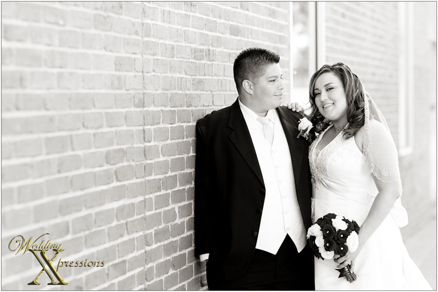 black and white wedding photographer in El Paso