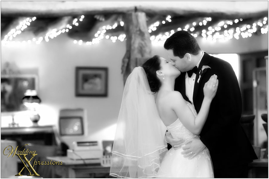 Wedding Xpressions black and white photography