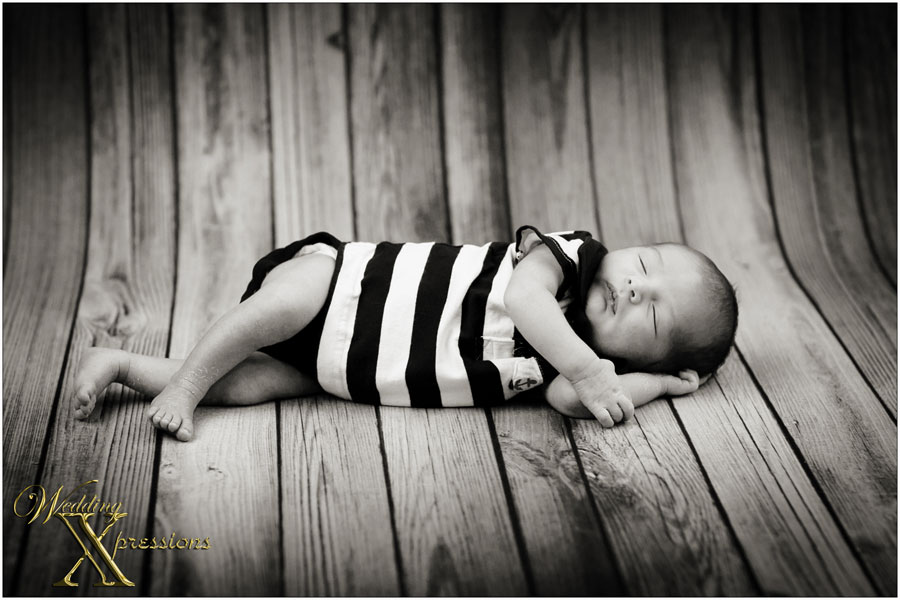 b&w baby photography