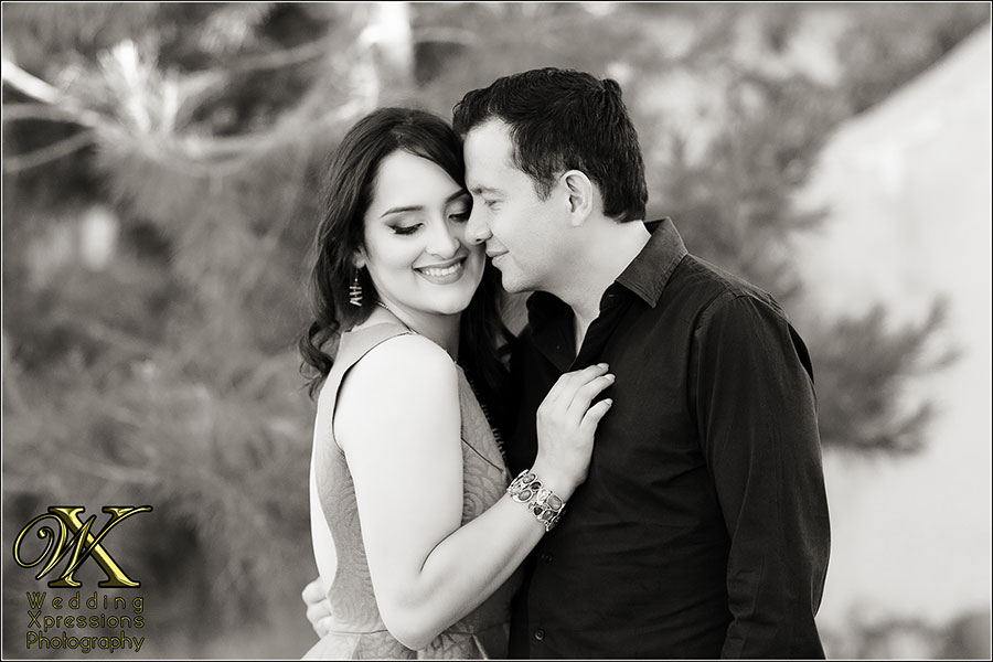 B&W engagement session