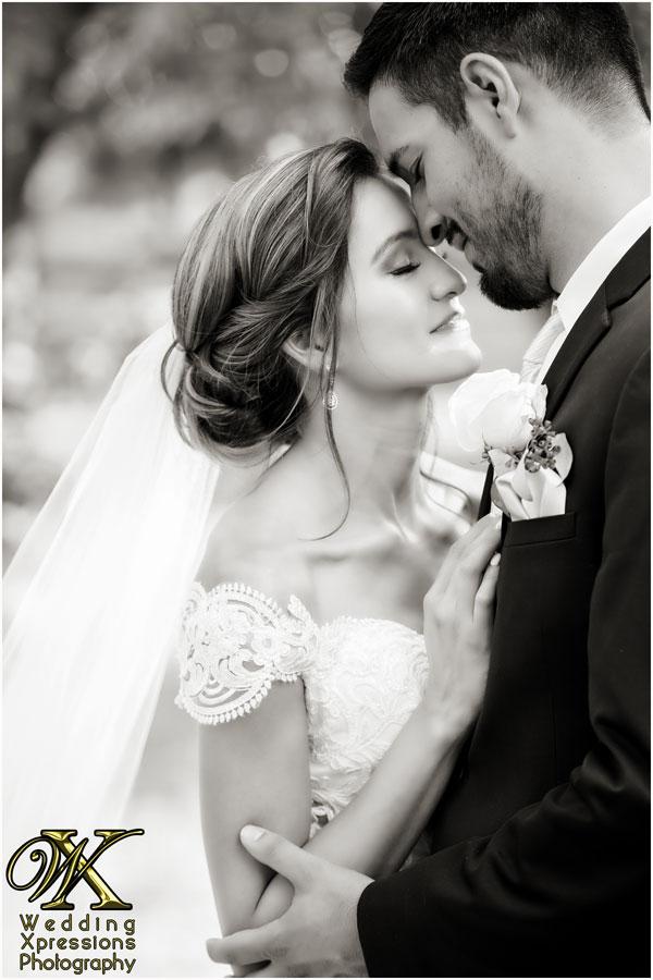 romantic black and white wedding photography