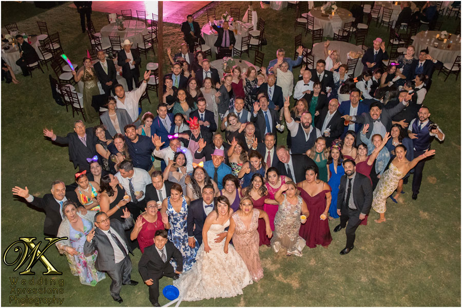 El Paso wedding photographer captures all wedding guests in photograph