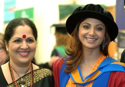 Shilpa Shetty with mother Sunanda Shetty