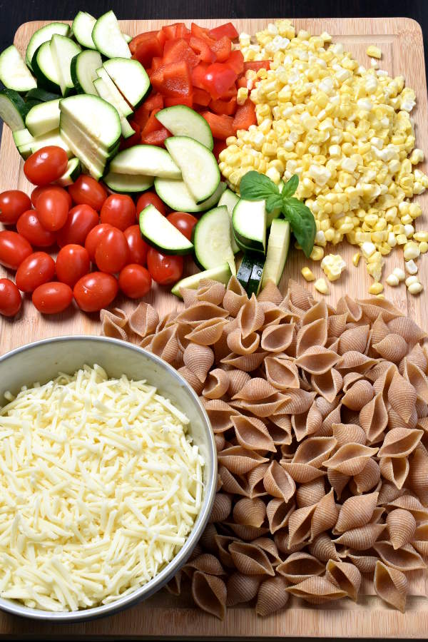 Summer Vegetable Mac and Cheese (Stovetop)  WednesdayNightCafe.com