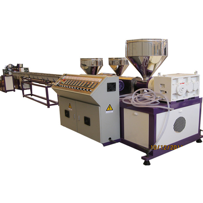 Three-Color Plastic Rattan Extruding Machine