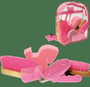 roze rugtas met veel poetsspullen