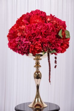 wedstyle-hire-flower-arrangement-red-on-gold-stand