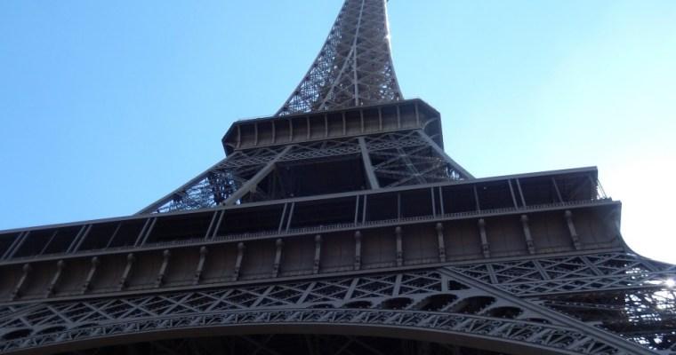 Parce qu'elle est tombée amoureuse de Paris…