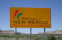 New_Mexico_road_sign_top_Image_Flickr_boutmuet