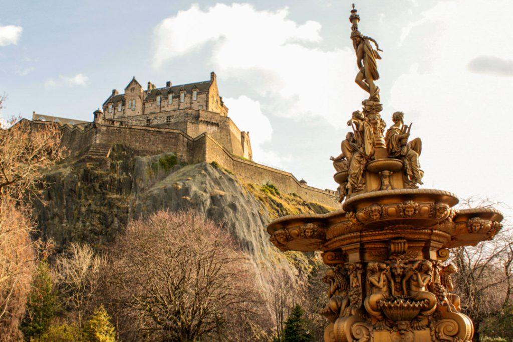Edinburgh local travel guide