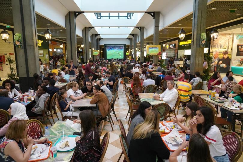 Etage de restauration au centre commercial Parque Nascente - Porto