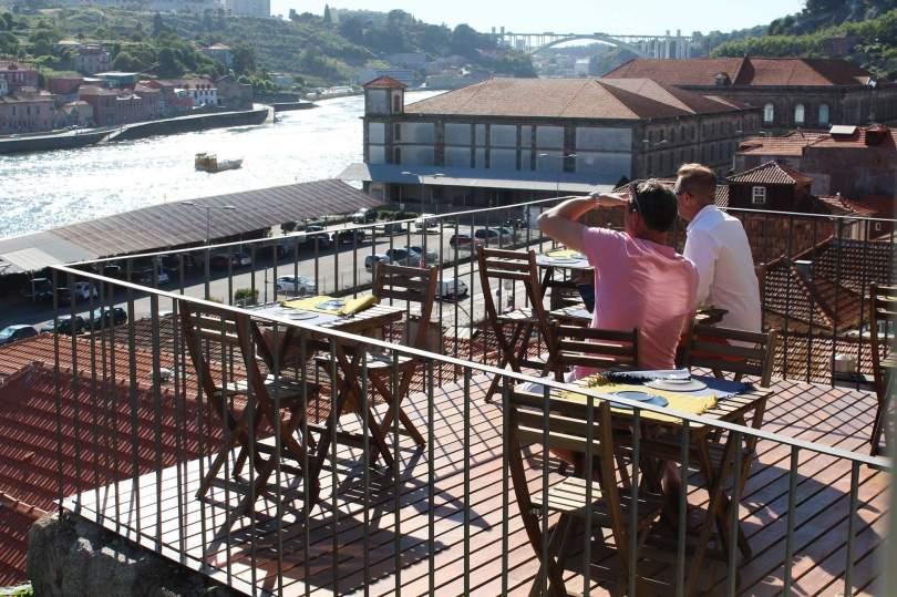 Terrasse du restaurant Intrigo - Vue sur Porto