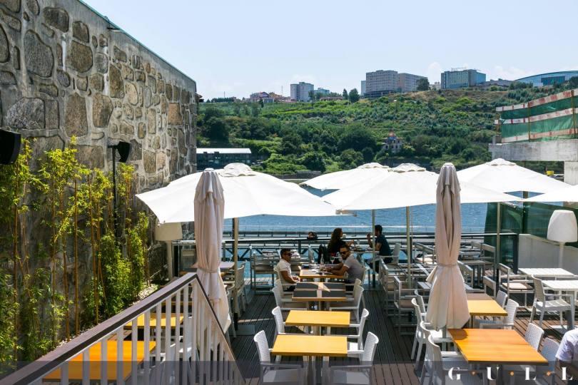 Terrasse du sushi bar Gull - Vue sur le Douro et Gaia - Porto