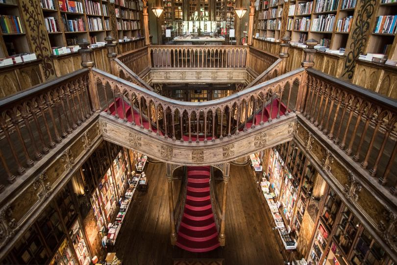 Escalier de la librairie Lello - Livraria Lello - Porto