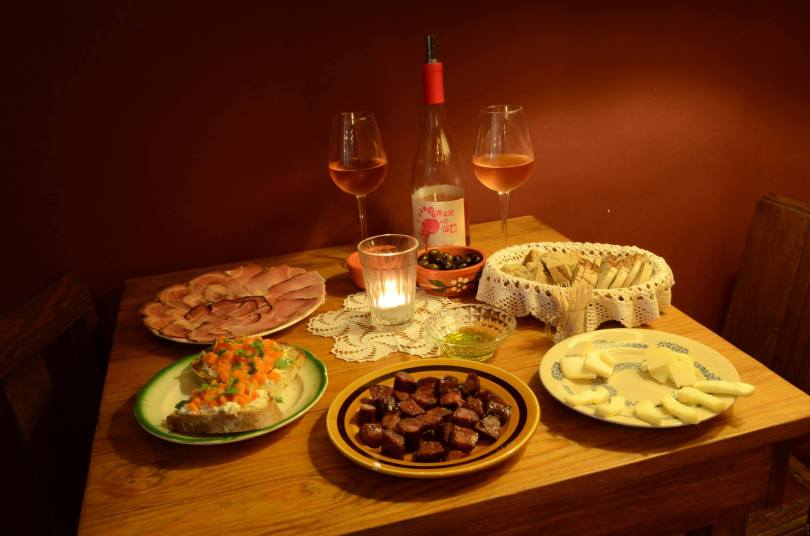 Table de specialites du Douro - Taberna Folias de Baco - Porto
