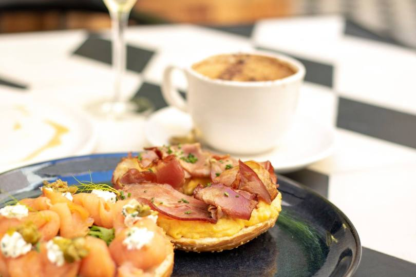 Bagel du brunch Must Have - Vogue Cafe - Porto