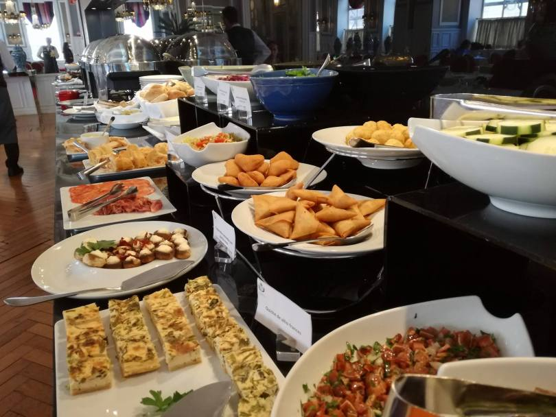 Buffet du brunch du Grande Hotel do Porto - Hotel 3 etoiles - Porto