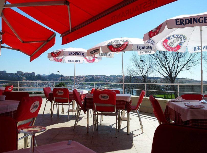 Terrasse du restaurant italien Varanda da Barra - Porto