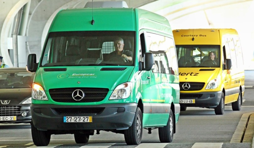 Navette pour rejoindre votre compagnie de location - Aeroport de Porto - Portugal