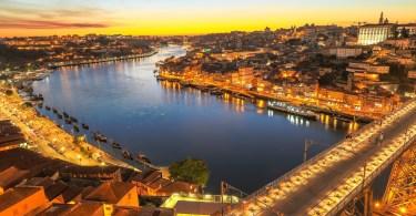 Vue sur Gaia - le Douro et Porto depuis la Serra do Pilar