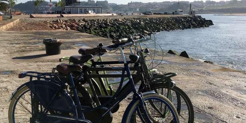 Velos de location de la boutique Bluedragon au bord du Douro - Porto