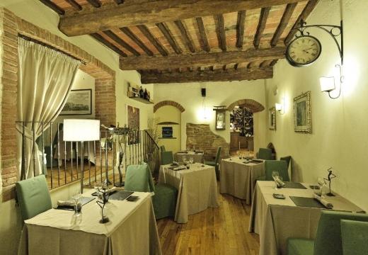 Cena romantica ad Aosta  Weekend a lume di candela