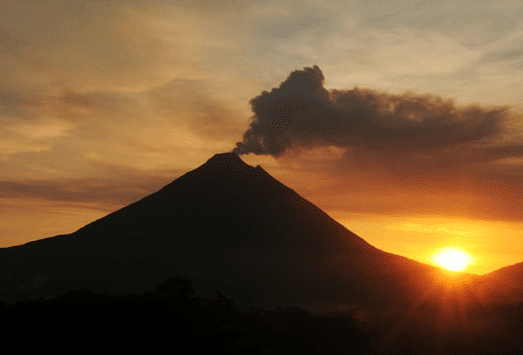 How to get from Tamarindo to Arenal and La Fortuna