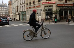 Décontracté en vélib, balade en cherchant un resto