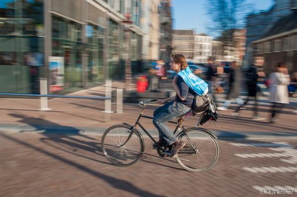 Législation, l'Etat pourrait (re)mettre le cycliste à l'amende