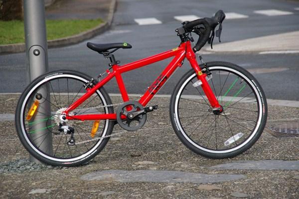 [Test] Frog Bikes Road 58, les petits aussi ont le droit à leur vélo sportif