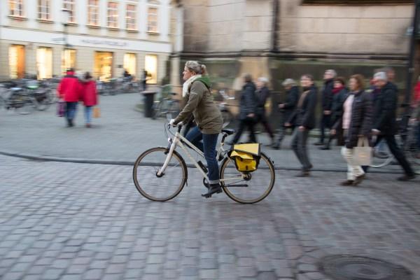 Un sénateur veut (encore) rendre obligatoire le port du casque à vélo