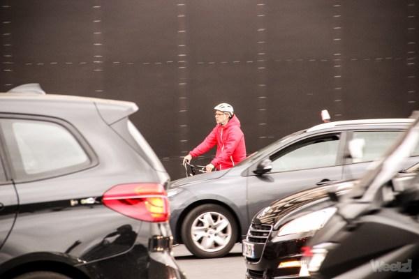 Voitures et motos n'ont pas besoin de plus de partage, mais de plus de contraintes
