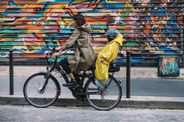 Rainette, le vélo sous la pluie avec les tout-petits