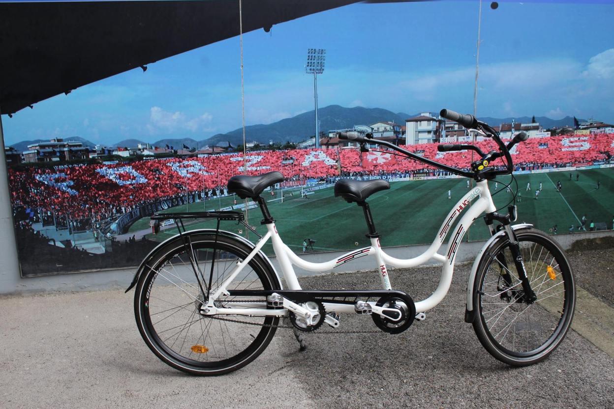 Hugbike, un vélo tandem adapté pour les jeunes autistes