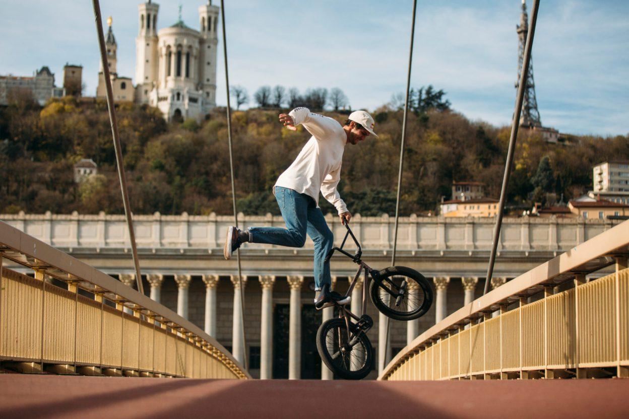 Matthias Dandois se fait un p'tit Tour de France en BMX flat