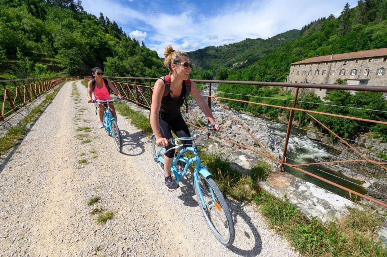 [Tourisme] La Dolce Via, une voie verte avec vue imprenable sur les Monts d'Ardèche